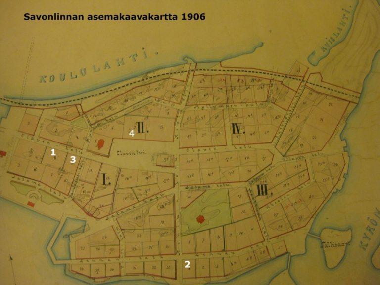 Värikuva Savonlinnan raatihuoneiden sijainnista vuoden 1906 asemakaavakartalla.